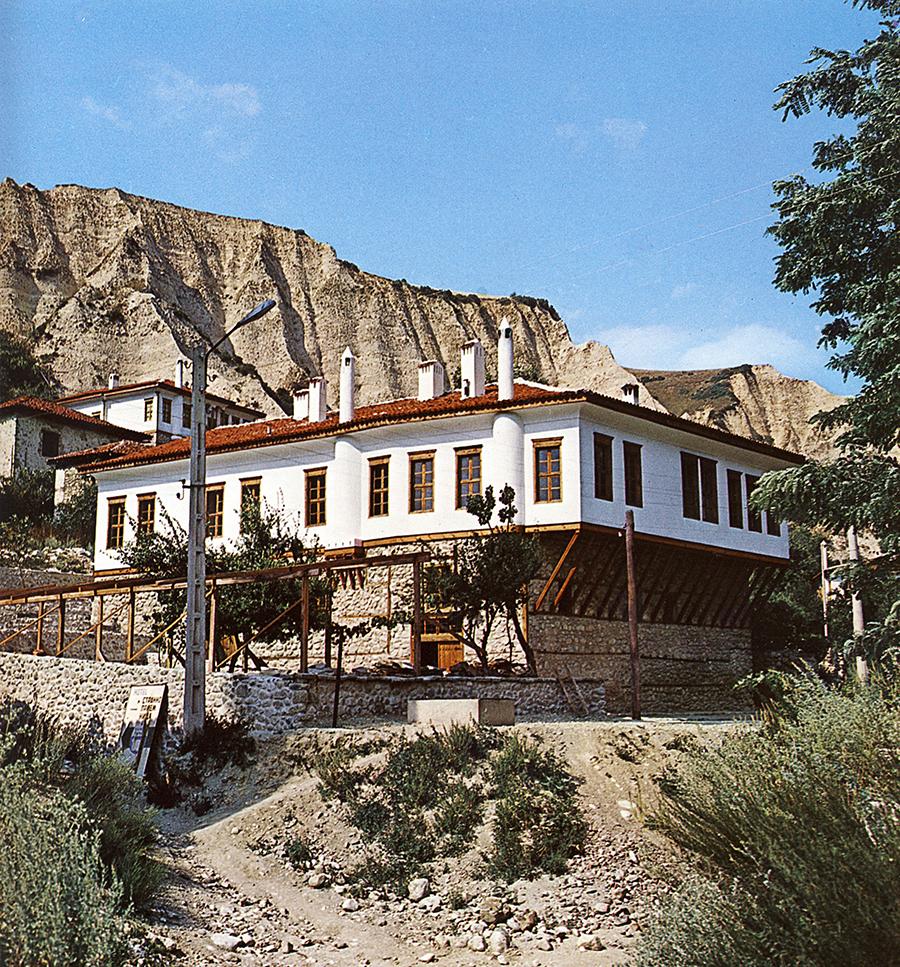 Българска къща